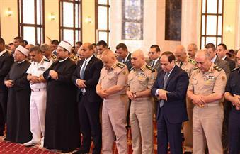 السيسي يُؤدى صلاة الجمعة بمسجد المشير طنطاوى بمناسبة انتصار العاشر من رمضان