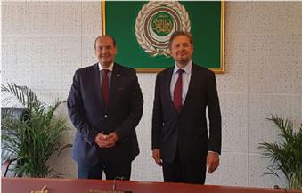 مندوب الجامعة العربية في جنيف يلتقي مدير معهد الأمم المتحدة لبحوث نزع السلاح