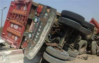 مصرع سائق فى حادث انقلاب مقطورة بطريق الإسماعيلية الصحراوى