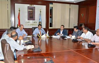 بالصور.. وفد من وزارة الإسكان يتابع نسب تنفيذ مشروعات مياه الشرب والصرف الصحي المتوقفة على مستوى الأقصر