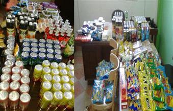 ضبط 890 عبوة عصير منتهية الصلاحية ولحوم فاسدة في حملة على الأسواق بالإسكندرية