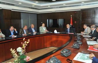 بالصور.. وزير النقل يوجه بسرعة الانتهاء من مشكلة النظافة على الطريق الدائري