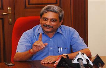 وزير الدفاع الهندي يتهم باكستان بالتسبب في هجوم استهدف الشرطة الهندية في كشمير