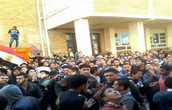 """مظاهرات طلاب الثانوية تحاصر """"التربية والتعليم"""".. والوزارة تتحول لثكنة عسكرية"""