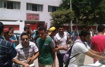 بالصور.. مظاهرة لطلاب الثانوية فى زفتى بالغربية احتجاجا على تأجيل الامتحانات