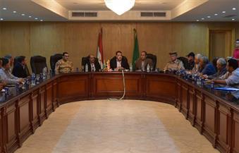 محافظ الفيوم يناقش خطة تأمين المصالح الحكومية في ذكرى ثورة 30 يونيو