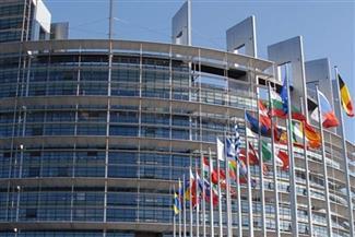 """الاتحاد الأوروبي يشيد بـ""""تمسك"""" أوكرانيا بالديموقراطية بعد انتخاب زيلينسكي"""