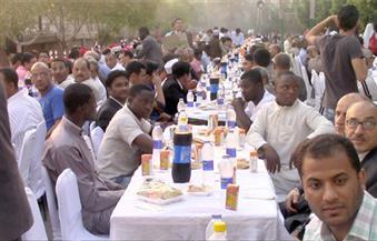 بالفيديو.. 400 طالب من 112 دولة على مائدة إفطار جامعة الأزهر