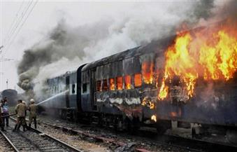 إخماد حريق شب في قطار يحمل نفطا بعد خروجه عن القضبان بولاية أوريجون الأمريكية