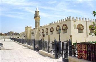 نائبة محافظ القاهرة تتابع تطوير ميدان جامع عمرو بن العاص في مصر القديمة