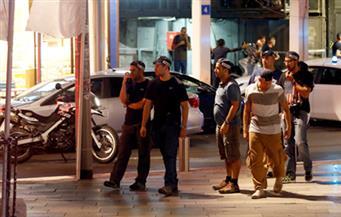 """حادث """"إطلاق النار"""" في تل أبيب يسفر عن 3 قتلى.. وكاميرا مركز تجاري ترصد وقائعه"""