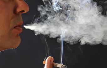 """لقاح في الطفولة مرتبط بالوقاية من الإصابة الحادة بـ""""كوفيد-19"""".. ودخان السجائر يزيد من المخاطر"""
