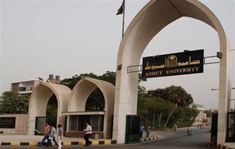 طلاب بجامعة أسيوط يزورون المنطقة الجنوبية العسكرية بمناسبة احتفالات أكتوبر