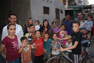"""أهالي العمال العائدين من ليبيا: """"مطمنين إنهم مع المخابرات المصرية وفي انتظارهم بفارغ الصبر"""""""