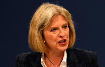 """""""تريزا ماي"""" تدافع عن الـ""""بريكست"""" بالعموم البريطاني وسط تنمر من المعارضة"""