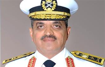 """قائد القوات البحرية يشهد عزف السلامين المصري والفرنسي استعدادًا لرفع العلم على الميسترال """"أنور السادات"""""""