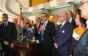 بالصور.. وزير الآثار يفتتح المعرض الأول للمستنسخات الأثرية