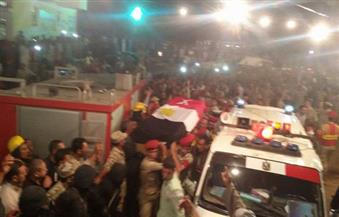 بالصور.. الآلاف من أهالي المحلة الكبرى يشيعون جثمان شهيد الإرهاب بسيناء