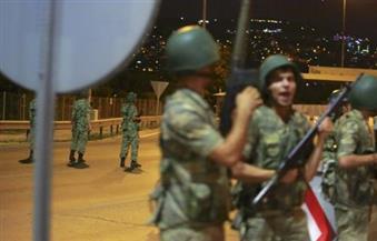 الجيش التركي يعلن فرض حظر التجوال والأحكام العرفية في كافة أنحاء تركيا