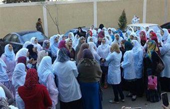 تظاهر عشرات من أعضاء هيئات التمريض بالمستشفيات الجامعية بالإسكندرية للمطالبة بصرف مكافأة الامتحانات