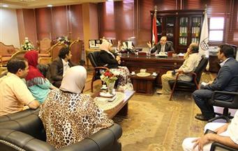 محافظ بنى سويف يناقش خطة الثقافة بالمحافظة للعام الجاري