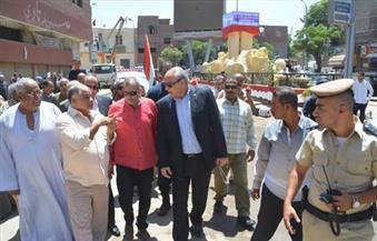 """بالصور.. محافظ المنيا يتفقد أعمال النظافة والتشجير بحملة """"حلوة يا بلدى"""""""