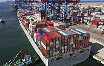 ميناء-الأدبية-يستقبل-أكبر-ونش-في-العالم-بحمولة--طن