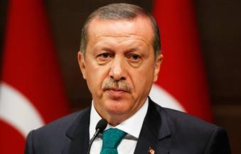 أردوغان يتفقد مطار أتاتورك بإسطنبول عقب الهجوم الإرهابي