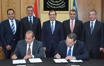 وزير البترول يشهد توقيع عقد قرض مصري لتمويل المرحلة الأولى من إنشاء رصيف بحري بالعين السخنة
