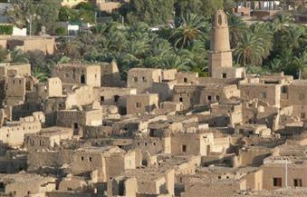 بالصور.. النموذج الوحيد الباقي للمدن العثمانية.. العناني يفتتح مدينة القصر الإسلامية بالواحات الداخلة