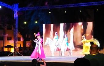 بالصور.. الصين تتألق على مسرح الهناجر بالعزف والاستعراضات والساحر