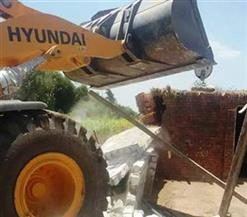 تنفيذ 34 قرار إزالة تعديات على الأراضي الزراعية وأملاك الدولة بمركز أبنوب