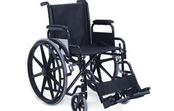 """""""شاب بلا أطراف"""": أحصل على معاش 323 جنيها والكرسي المتحرك أفضل من الأطراف الصناعية"""