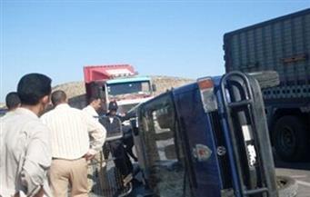 إصابة نائب مأمور في انقلاب سيارة شرطة بطريق أسيوط الغربي.. وتصادم 3 سيارات بمحور المشير طنطاوي