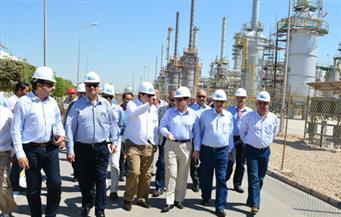 وزير البترول يتفقد مجمع غازات الصحراء الغربية