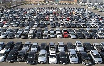 وسط ركود المبيعات.. سوق السيارات تترقب القيمة المضافة.. والمعارض تغير الأسعار يوميًا بسبب الدولار