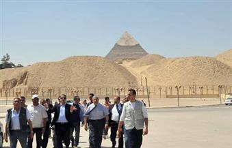 بالصور.. محلب ووزير الآثار يتفقدان تطوير منطقة الأهرامات والمتحف المصرى الكبير