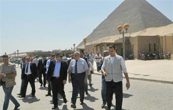 """بالصور.. محلب والعناني يؤكدان حرص الحكومة على تطوير """"أهرامات الجيزة"""" و""""المتحف المصري الكبير"""""""