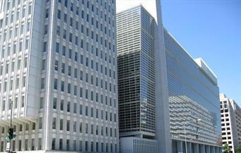 """مستثمرون: قرض """"النقد الدولي"""" فرض نفسه على الحكومة.. ولا يكفي لمحاربة السوق السوداء للدولار"""