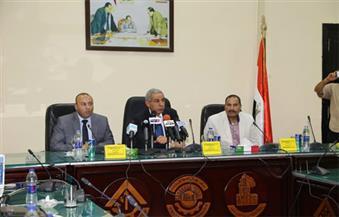 بالصور.. طارق قابيل يلتقى أعضاء جمعية مستثمرى السادات لمناقشة المعوقات بالمدينة
