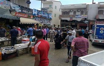 حملات يومية لرفع الإشغالات بأسواق رأس البر لإعادة الانضباط والهدوء