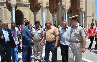 """بالصور.. محافظ الغربية يُوجه بإزالة الإشغالات حول مسجد """"السيد البدوى"""" وشراء سيارات نظافة """"الحرم المكي"""""""
