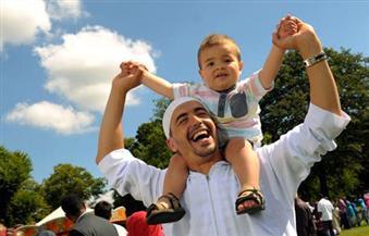 بالصور.. عيد الفطر في المملكة المتحدة.. احتفالات مزدوجة الثقافة.. والعنصرية تهدد العيد المقبل
