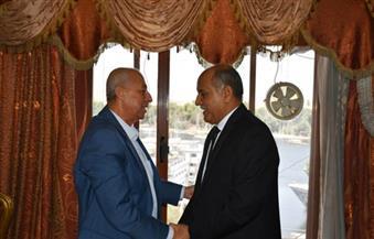 بالصور.. محافظ أسوان يقدم الشكر لمدير الأمن السابق بعد ترقيته مساعدًا لوزير الداخلية بجنوب الصعيد
