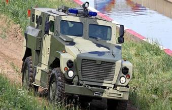 """الشرطة الروسية تستعين بـ """"الدب"""" المفترس لمكافحة الألغام وإطلاق صورايخ مضادة للدبابات"""