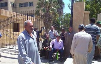 اعتصام العمال المؤقتين بالميكنة الزراعية بسخا في كفر الشيخ للمطالبة بصرف الرواتب المتأخرة
