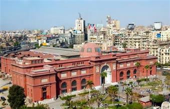 تمهيدًا لفتحه ليلًا.. الآثار تبدأ مشروع تطوير الإضاءة الداخلية بالمتحف المصري