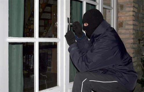 كشف ملابسات سرقة إحدى الشقق السكنية بالقاهرة