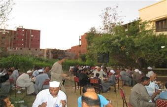 بالصور.. قساوسة يشاركون في حفل إفطار 111 يتيمًا بكوم أمبو في أسوان