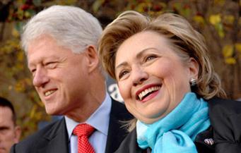 الزوجان كلينتون يحققان دخلا قدره 10 ملايين دولار خلال العام الماضي